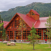 Alaska Railroad & Northern Lights Tour to Chena Hot Springs